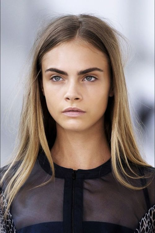 eyebrows cara delevigne
