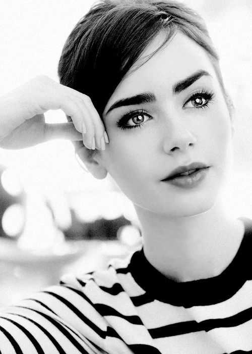 eyebrows Lily Collins