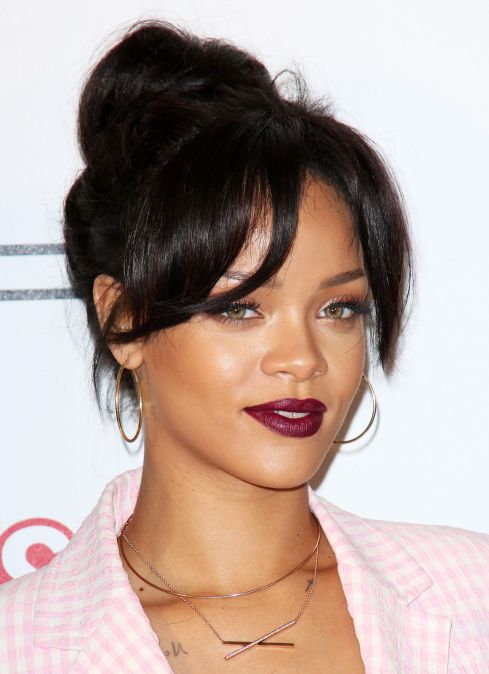 rihanna-deep-red-mac-lipstick-main